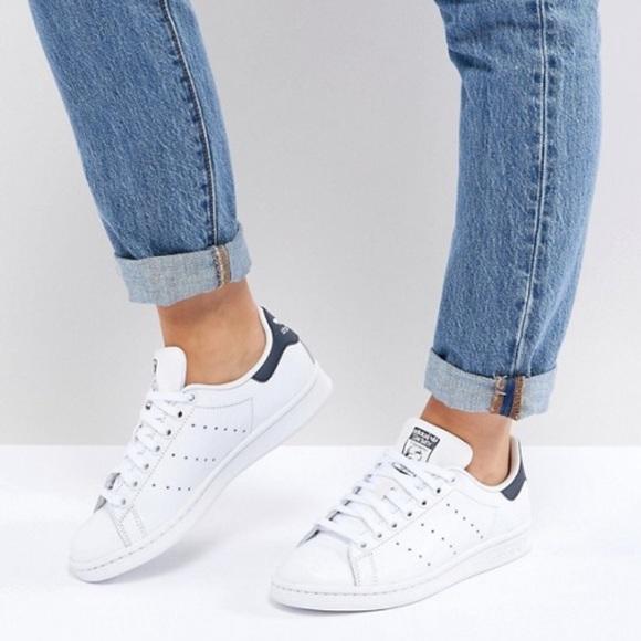 le adidas originali in bianco e scarpe da ginnastica poshmark marina stan smith